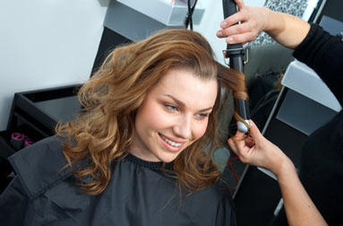 curling in salon